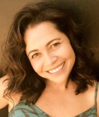 Carla Mino headshot